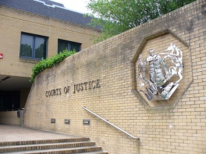 UK: Would-be juror with 'extreme' homophobic and racist views faces prosecution